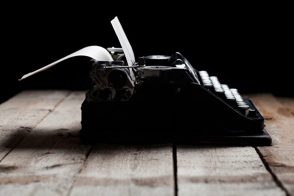 image of a typewriter to illustrate what bloggers do